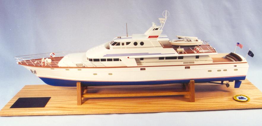 Pegasus III motor yacht 1973 1:32