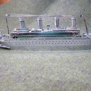 RMS Titanic.png