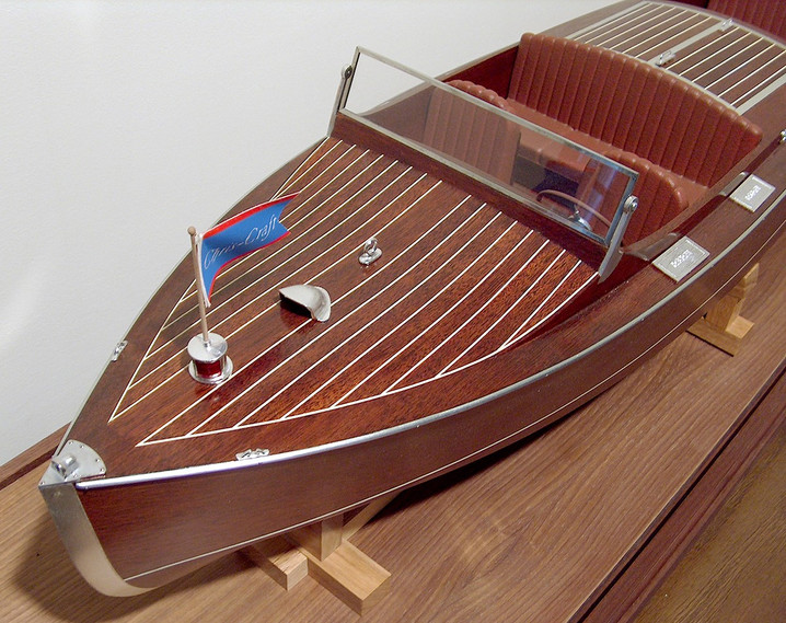 Chris Craft runabout - bow detail 2