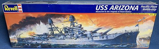 Revell USS Arizona 1-426.jpg