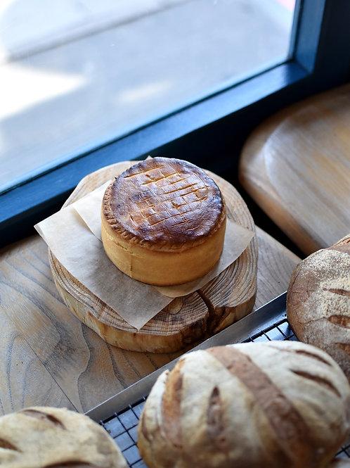 Whole Mac & Cheese Pie, Honoré de Balzac (serve 2-4)