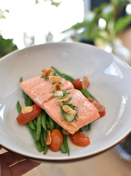 Sea Trout, Almonds, Green beans, Tomatoes