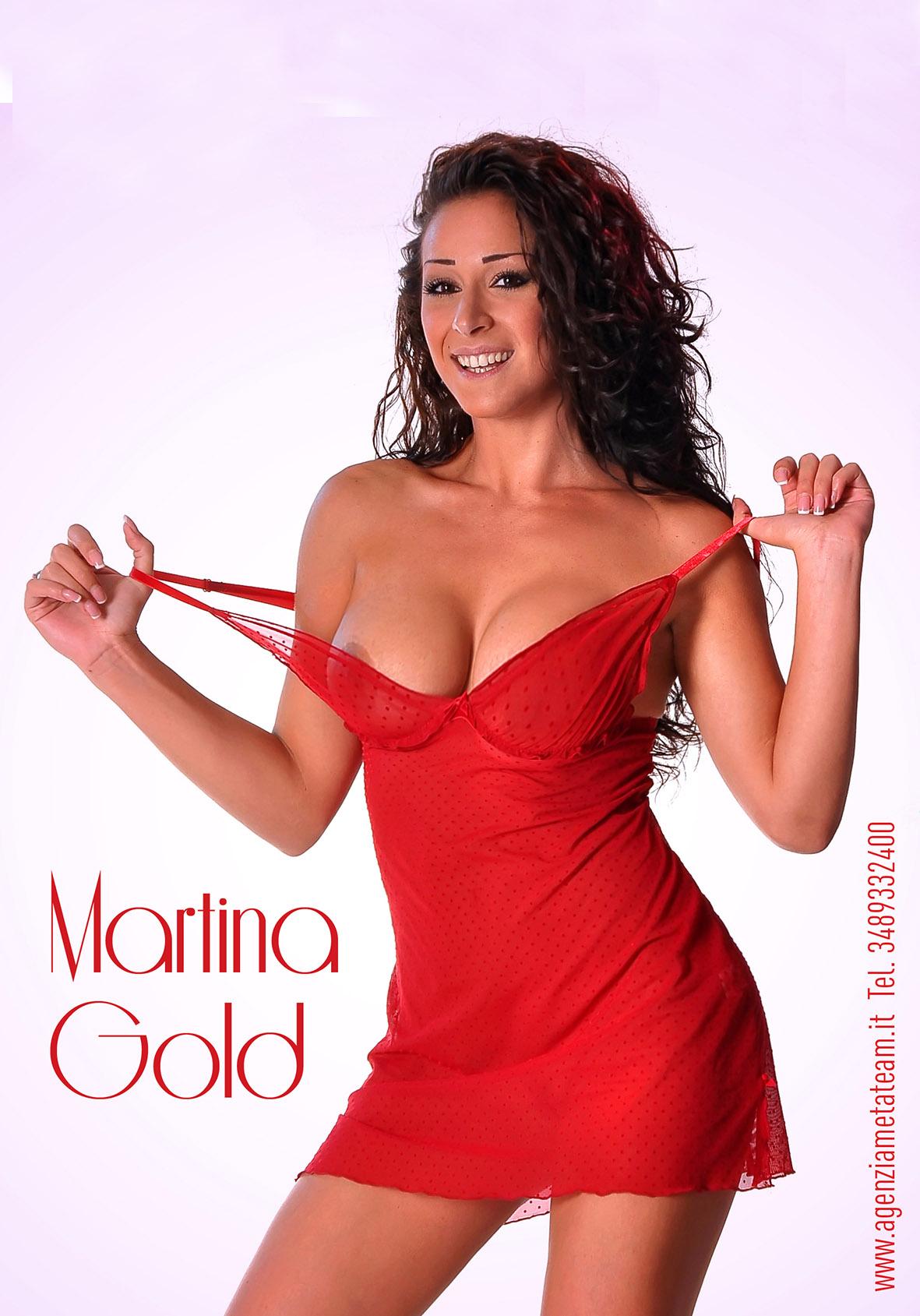 Martina Gold 5.jpg