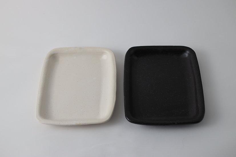 【中村豊実】耐火長方皿 190*150 白/黒