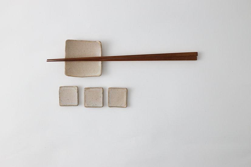 【中村豊実】サンドベージュ豆皿・30角/50角