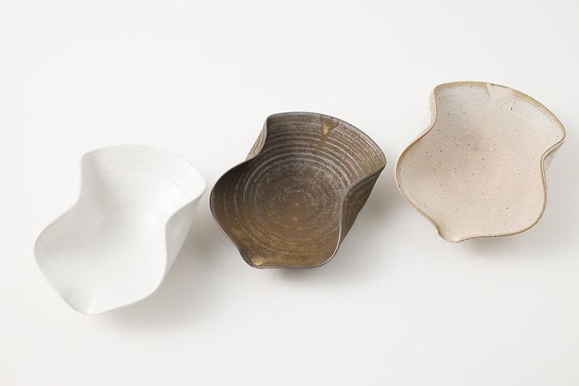 【中村豊実】kame小鉢(茶則)・白/砂金釉/ベージュ