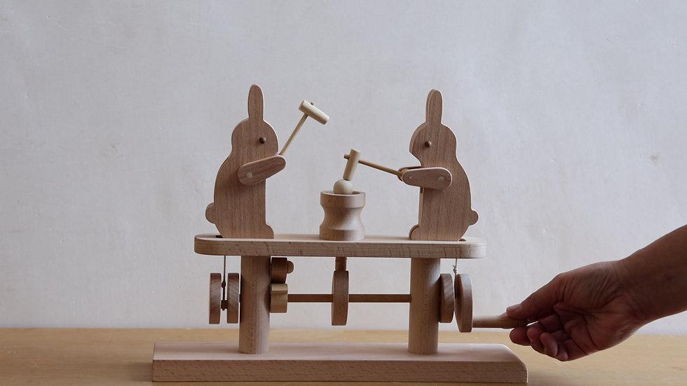 【蓮渓円誠】カラクリ玩具:もちつきうさぎ・2匹