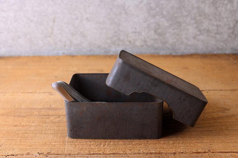 【古い道具】レンゲ・ブリキの箱