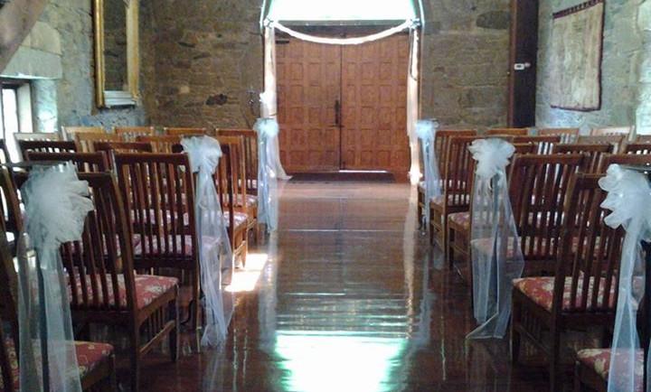 The Castle McCullough Great Hall.jpg