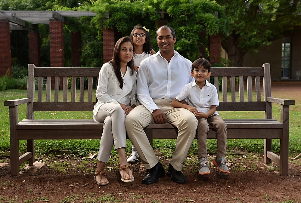 Family photoshoot with matching clothes