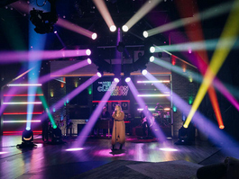 Kelly Clarkson Show is wrapped in Robe