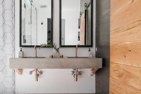 Blue Copper Design - Master Bathroom - M