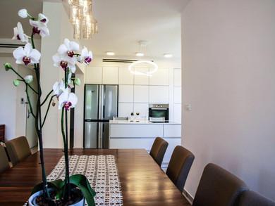 Location: Givataim Total floor area: 145 sqm Program: Single family apartment Design & built: 2013-2014