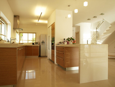 Location: Haifa Total floor area: 240 sqm Total site area: 405 sqm Program: Single family house Design & built: 2010-2011
