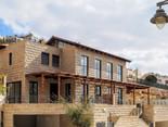 Location: Jerusalem Total floor area: 360 sqm Total site area: 640 sqm Program: Double family house Design & built: 2015-2017