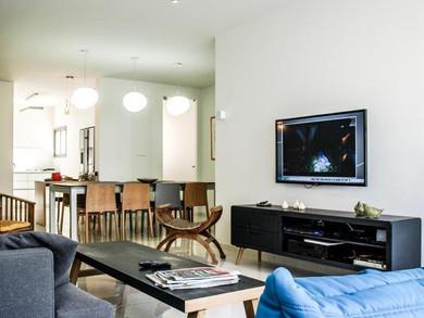 Location: Tel Aviv Total floor area: 125 sqm Program: Single family apartment Design & built: 2014-2015