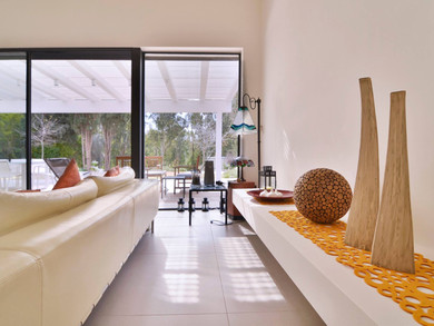 Location: Kochav Yair Total floor area: 260 sqm Total site area: 870 sqm Program: Single family house Design & built: 2012-2014