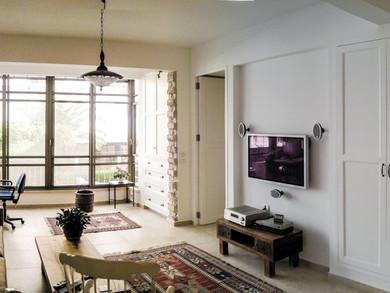 Location: Tel Aviv Total floor area: 90 sqm Program: Single family apartment Design & built: 2012-2013