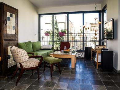 Location: Tel Aviv Total floor area: 115 sqm Program: Single family apartment Design & built: 2013-2014
