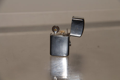 1940s very little Lighter
