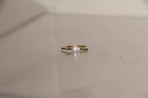 Costume Pearl Ring