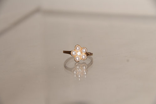 Costume Flower Pearl Ring