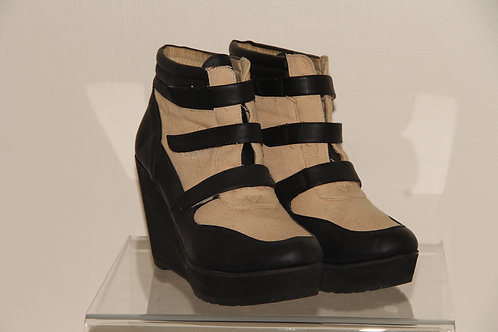 Deena & Ozzy  moon Wedges ankle boot