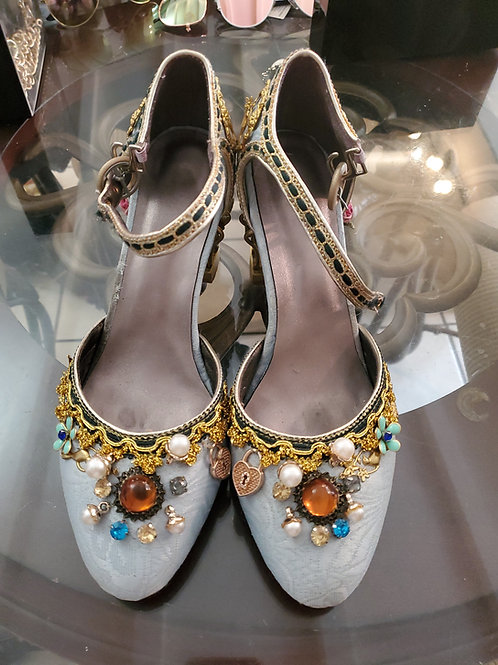 Stage shoes for the TV show the white Queen custom made one of a kind size 9