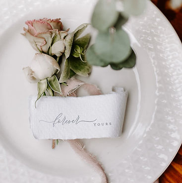 Namenskärtchen, Gastnamen, Hochzeitspapeterie, Hochzeitseinladung, Hochzeitskarten, Hochzeit Schweiz, Einladungskarten Schweiz, Menükarte Hochzeit, Anhänger Gastgeschenke, Tischnummern Hochzeit, Hochzeit Basel, Hochzeit Schweiz
