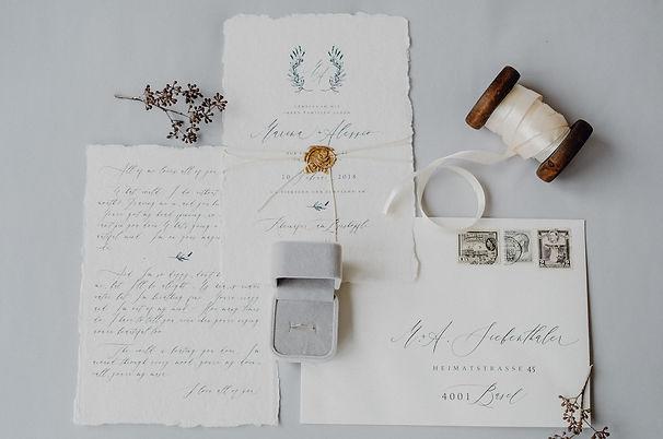 Fine Art Hochzeitseinladung Einladungskarten Basel Schweiz handgeschöpftes grobes Papier