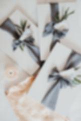 Büttenpapier handgeschöpftes Papier Einladung Hochzeitskarte Kalligraphie Namenskarten Seidenband Geschenk Brautjungfern
