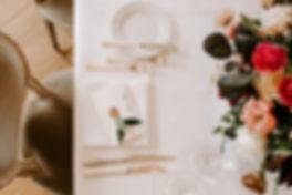 handgemachtes Hochzeitsmenü, Büttenpapier, Wachssiegel, frischer Zweig, fine art Hochzeit Shweiz, Namenskärtchen, Platzhalter, Tischnummern, Menükarte, Hochzeitspapeterie, Hochzeitseinladung, Hochzeitskarten, Hochzeit Schweiz, Einladungskarten Schweiz, Menükarte Hochzeit, Anhänger Gastgeschenke, Tischnummern Hochzeit, Hochzeit Basel, Hochzeit Schweiz