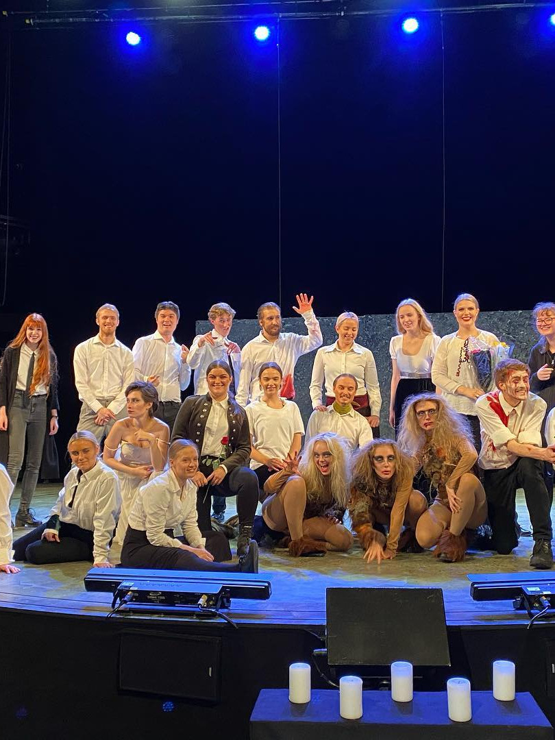 The Cast of Macbeth Chateu Neuf