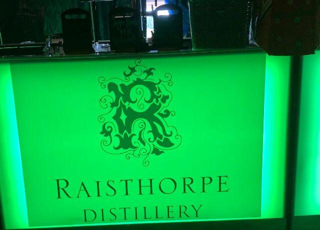 Snow White Raisthorpe removable bar sticker
