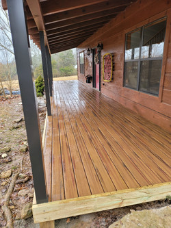 composite deck boards with aluminum support posts
