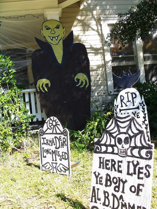 Halloween dec 5.jpg