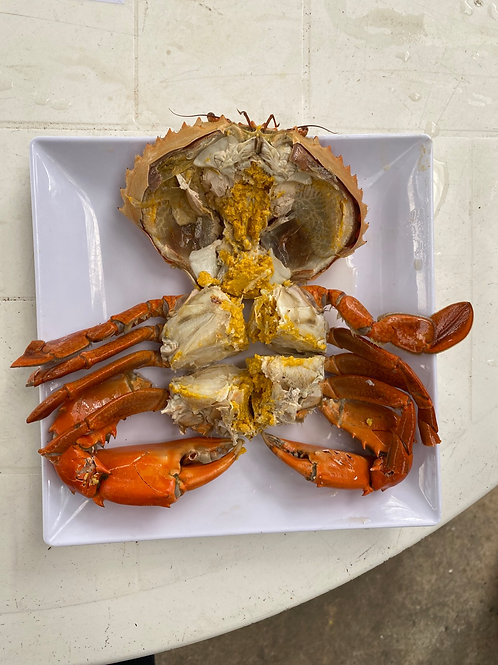 Steamed Cold Crab with Yellow Roe (300-400grams)