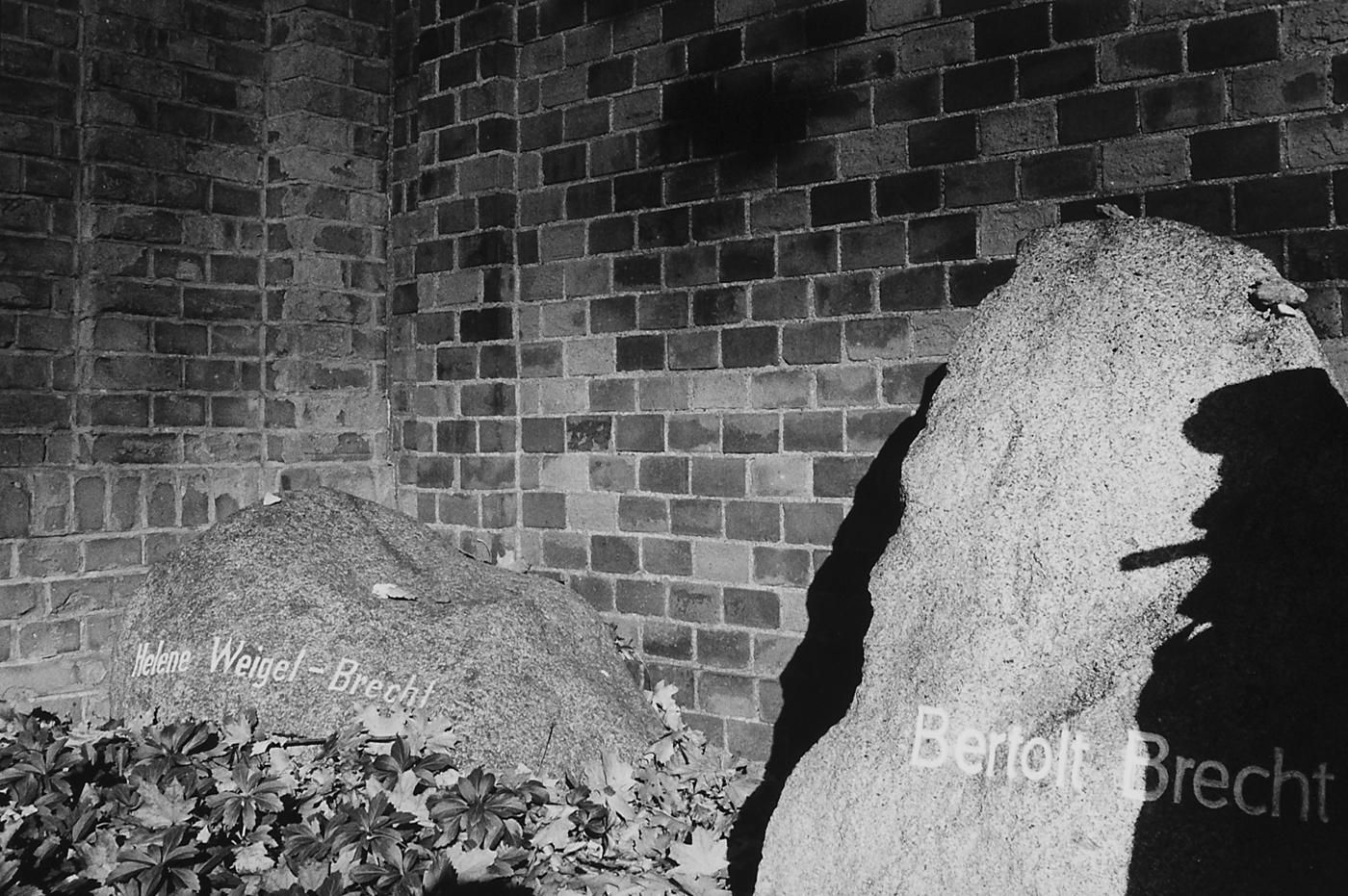 Grafsteen Brecht Berlijn b