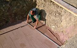 Baugrube ausheben und vorbereiten