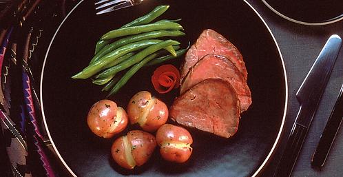 Roast beef, patate, fagiolini e olio EVO al basilico