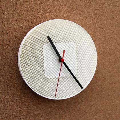 Часовник со структури