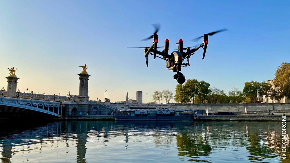 Prestation de prises de vue photo et vidéo aérienne par drone par pilote drone DCOMDRONE sur Paris et Région Parisienne, France avec un drone DJI Inspire2 Pro