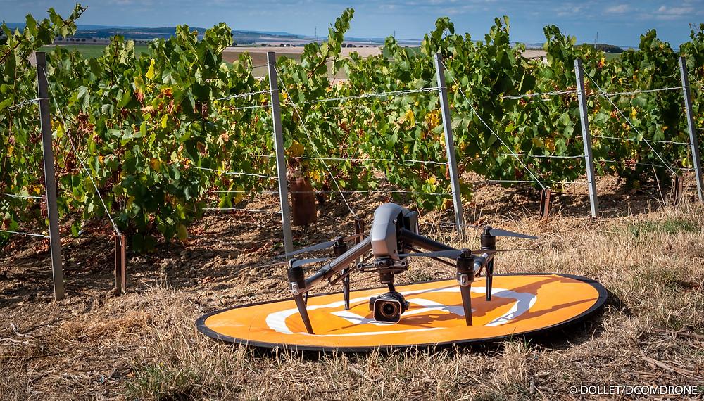 Survol du vignoble de Champagne par un drone DJI Inspire2 de DCOMDRONE