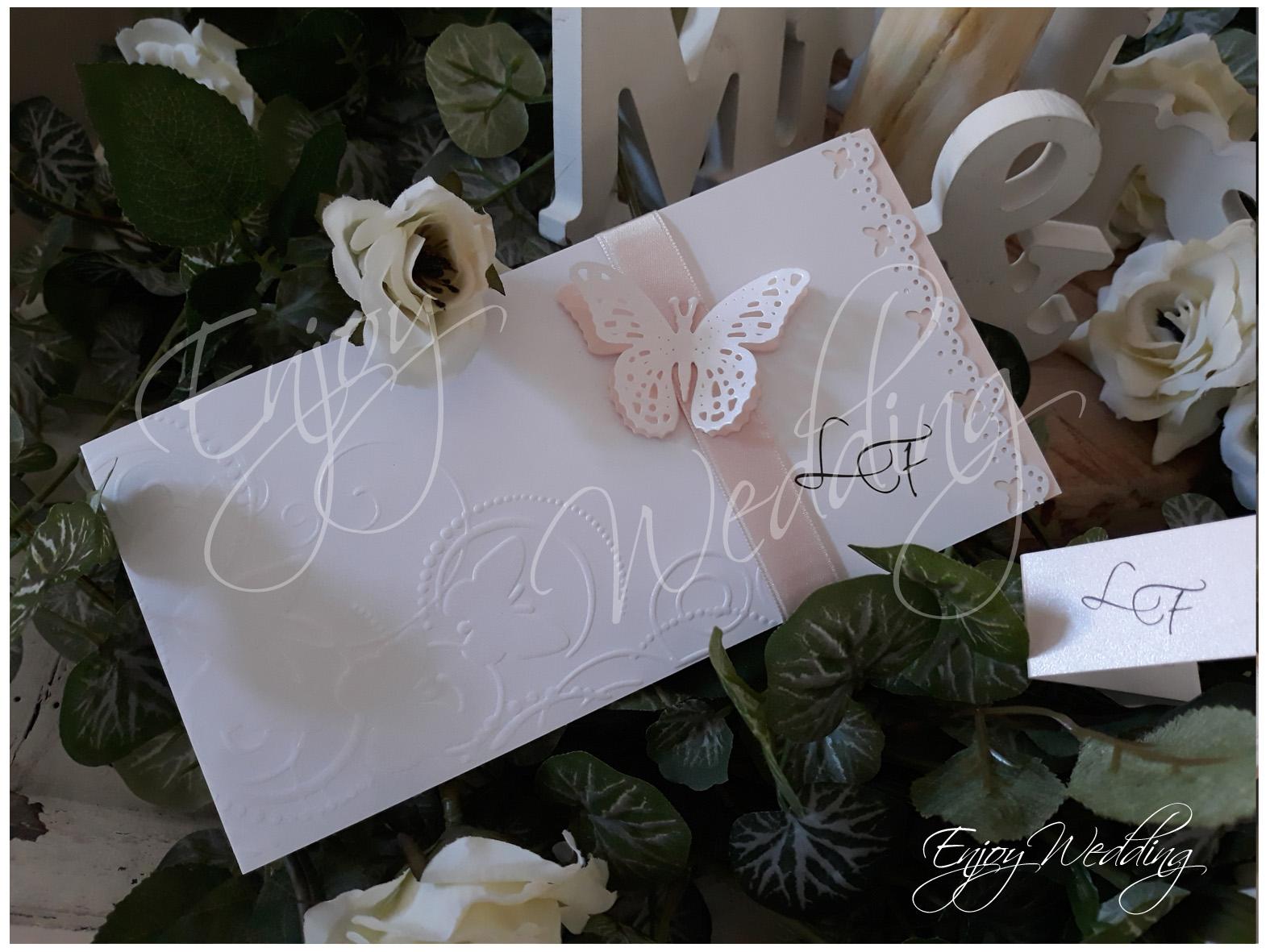 farfalla rosa cipria