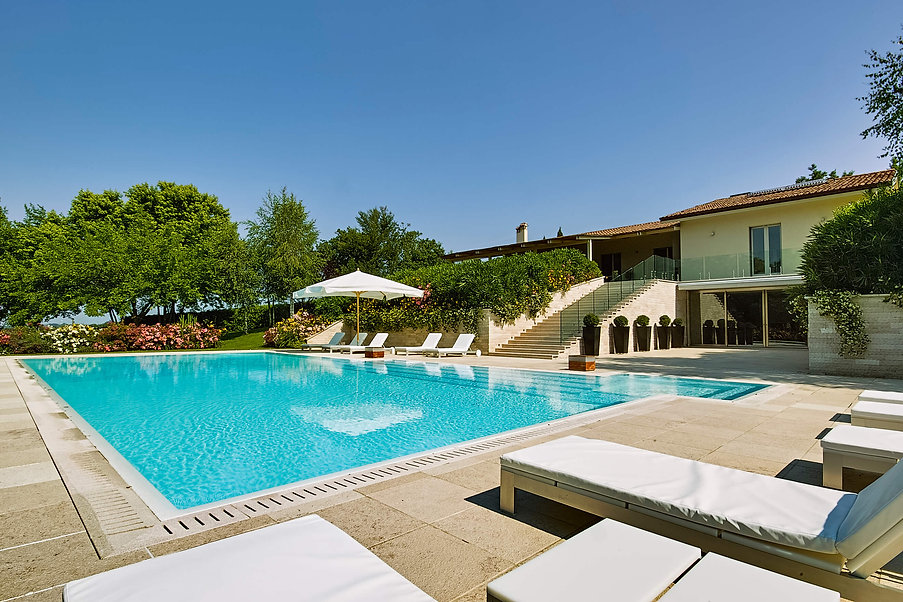 Modern Villa Pool.jpg