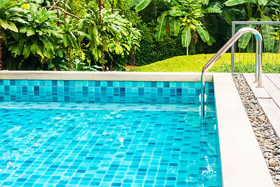 outdoor-swimming-pool-2021-04-02-22-36-42-utc.jpg