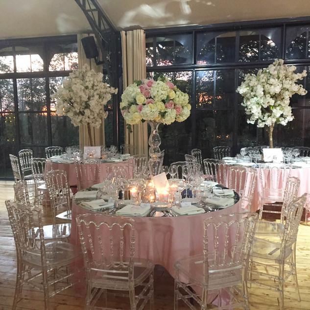 mariage_rose_chateau_du_bois_du_rocher.j