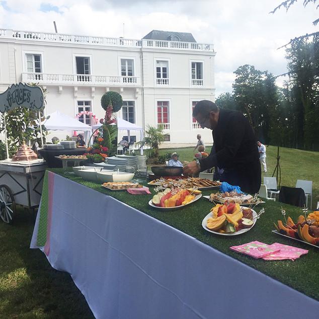 buffet-4-batmisva-raphaelle-chateau-du-bois-du-rocher.jpg