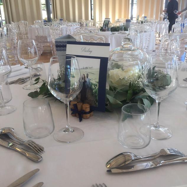 salle_bleu_marine_mariage_chateau_du_boi
