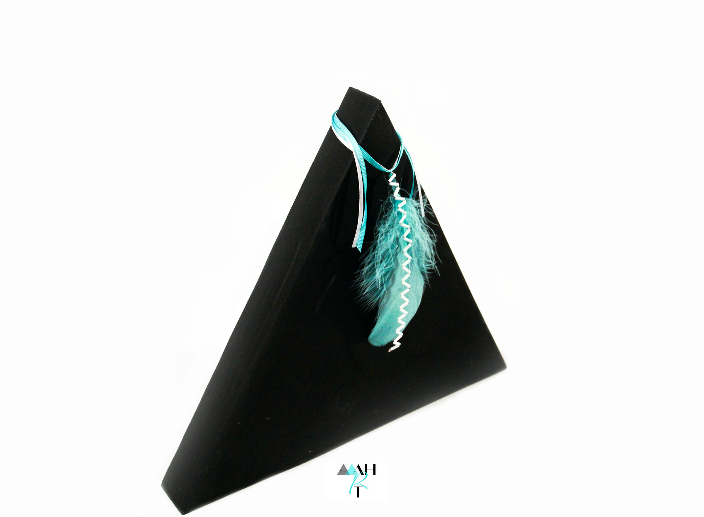 Desk Stand with Feather